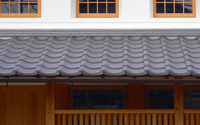 屋根葺き替えの目安